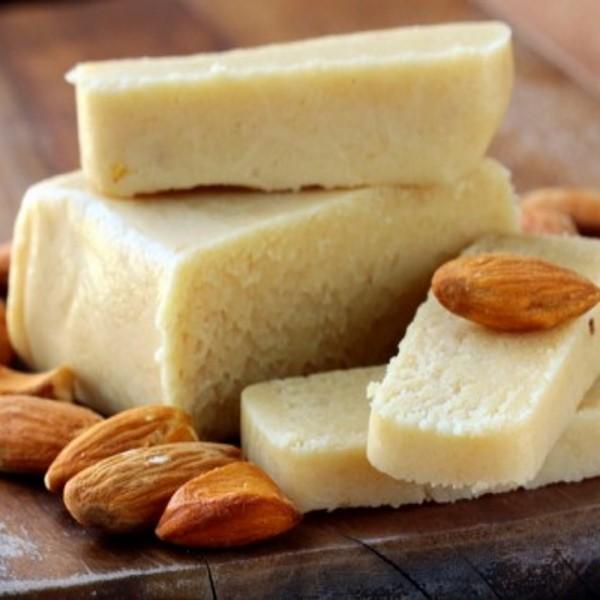 Panetto di Pasta di Mandorla